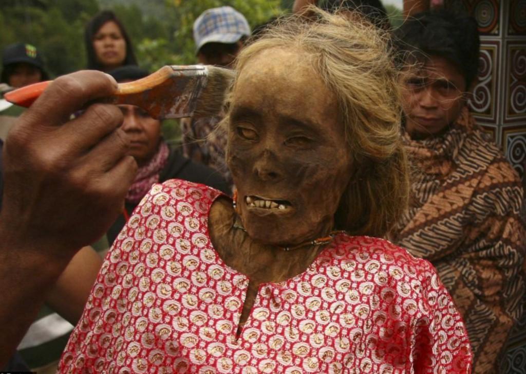 Momia femenina