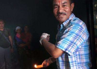 Sanación niño en Nepal